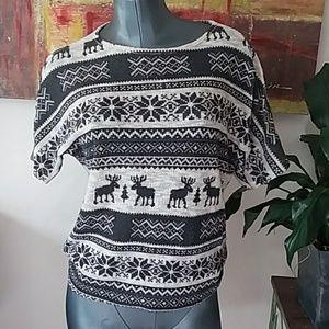 GINGER G Winter themed knit short sleeve top